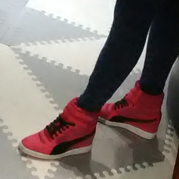 2525222a6bdd 💐Magenta Puma Sky Wedge Sneakers. M 5ad5217c00450fbe65988a01